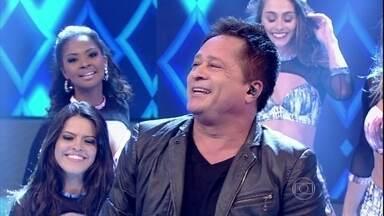 Leonardo agita plateia com Pense em Mim e Tapas e Beijos - Confira as músicas marcantes da 1ª década de trabalho do cantor