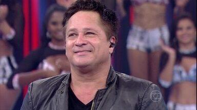 Leonardo revê apresentações de colegas da música - Fausto exibe performances de Paula Fernandes, Cristiano Araújo e Eduardo Costa