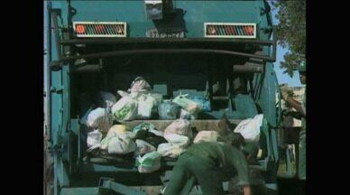 Empresa responsável por coleta de lixo em Rio Grande, RS, admite atraso - Supervisor afirma que atraso é pontual.
