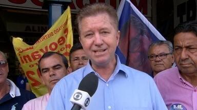 Luiz Pitiman faz campanha em Taguatinga - O candidato do PSDB conversou com moradores e profissionais que trabalham na região. Luiz Pitiman falou sobre os investimentos em educação e sinalização que pretende instalar na cidade.