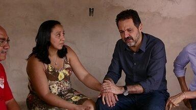 Agnelo Queiroz visita moradores do Sol Nascente - O candidato do PT ao GDF disse que pretende melhorar a infraestrutura da região.
