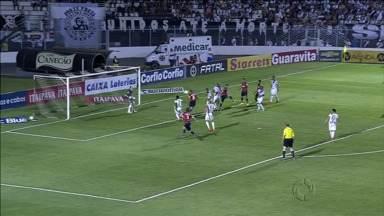 Paraná Clube deixa vitória escapar no final do jogo - O time jogou bem, vencia a Ponte Preta por 2 a 0, mas cedeu o empate