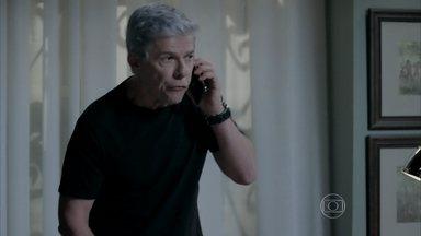 Cláudio perde mais um contrato - Beatriz apoia o marido