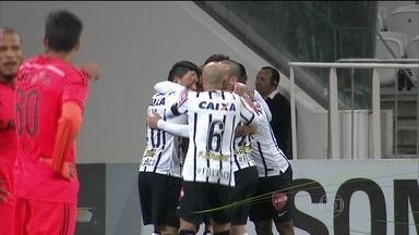Corinthians vence Sport e volta a encostar no G4 do Brasileirão - Anderson Martins marcou pela primeira vez com a camisa corintiana.