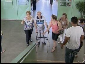 Pessoas com necessidades especiais tiveram dificuldades na eleição - Escolas não tinham elevadores em funcionamento.