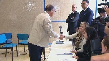Governador de São Paulo Geraldo Alckmin, do PSDB, é reeleito com 57% dos votos - Governador de São Paulo Geraldo Alckmin, do PSDB, é reeleito com 57% dos votos