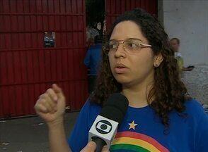 Eleitora saiu de local de votação sem poder escolher candidatos, em Caruaru - De acordo com ela, mesário afirmou que ela já havia votado.
