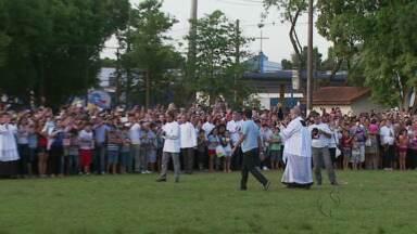 Imagem de Nossa Senhora Aparecida chega em Foz - A imagem, que veio do Santuário de Aparecida, fica na cidade até o dia 13 deste mês.