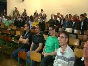 Bancários de Cascavel decidem pelo fim da greve - A decisão foi anunciada após assembleia da categoria.