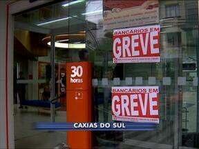 Parte dos bancários de Caxias do Sul, RS, e região devem voltar ao trabalho amanhã - Greve começou no dia 30 de setembro