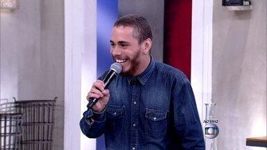 Vale a pena ver de novo! Joey Mattos repete apresentação do TVB no Encontro - Músico canta sucesso 'Domingo'