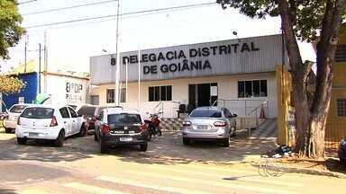 Polícia Civil investiga caso de universitário agredido por policial militar em Goiânia - Segundo testemunhas, a agressão aconteceu depois de um esbarrão entre os retrovisores dos carros da vítima e do agressor.