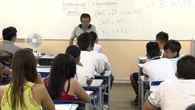 Estudantes se preparam para o Enem, em Goiás - Prova é uma das principais portas de entrada para a universidade.