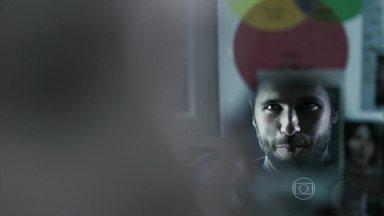 Dupla Identidade - Episódio do dia 10/10/2014, na íntegra - Vera ensina para Edu como se traça o perfil de um serial killer