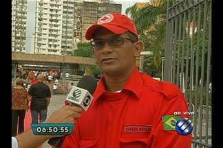 Cruz Vermelha divulga balanço de atendimentos durante o Círio - Coordenador concede as informações ao vivo da Praça Santuário.