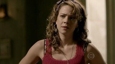 Cristina afirma que Cora nutre sentimentos por José Alfredo - Megera insiste para que a sobrinha lute na Justiça pela herança do Comendador
