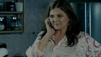 Antoninho comunica a Jurema que a casa que alugará para ela está pronta - Tuane estranha que Jairo tenha dormido fora de casa