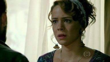 Cris e Vicente terminam o namoro e Cora comemora - O cozinheiro afirma que Cora quer destruir o relacionamento dos dois e o casal discute