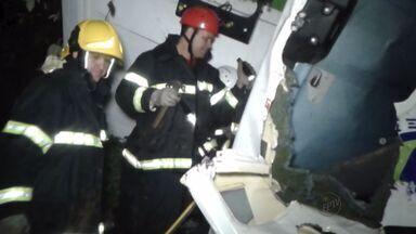 Acidentes deixam dois mortos na BR-459, em Santa Rita de Caldas, MG - Acidentes deixam dois mortos na BR-459, em Santa Rita de Caldas, MG