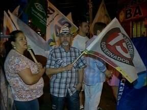 Militantes comemoram o resultado das eleições nas ruas de Passo Fundo, RS - No domingo, a avenida principal do município recebeu militantes do PT e PMDB