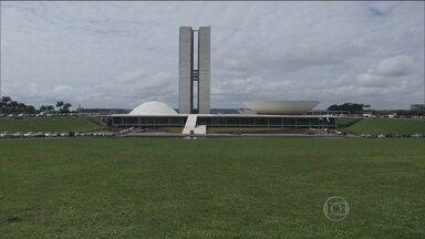 Presidente Dilma vai encontrar uma nova composição no Congresso Nacional - O apoio ao governo no novo Senado será um pouco menor: do total de 81 senadores. A bancada que hoje tem 53 senadores, deve cair para 51.