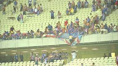 Administração do Arena Castelão deve divulgar resultado de vistoria na terça - Parte dos torcedores do Fortaleza destruiu cadeiras do estádio.