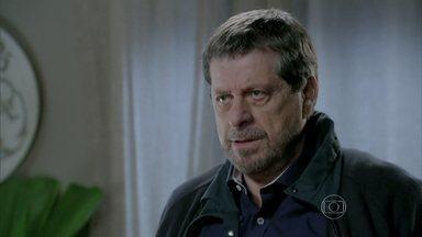 Reginaldo finalmente aparece e procura Tuane - Jairo tenta roubar Juliane. Reginaldo pede o endereço de Jurema para Tuane