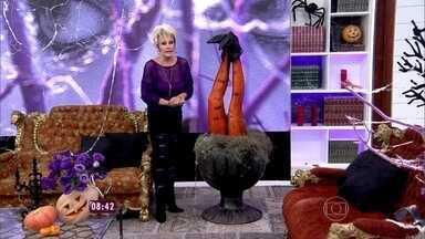 Ana Maria mostra estúdio decorado para o Halloween - Apresentadora explica o significado da data e dá dicas