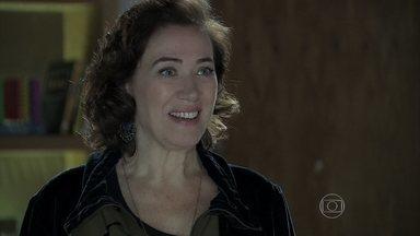 Marta pergunta se Zé Alfredo pretende fraudar exame de DNA - Cora não vê a hora de colocar as mãos na fortuna dos Medeiros