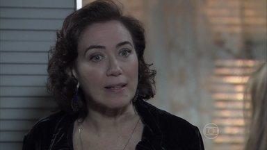 Maria Isis prova que não é nada frágil em Império - Personagem de Lilia Cabral leva um fora da 'sweet child'
