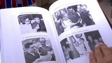 Livro em homenagem ao radialista Mário Helênio é lançado em Juiz de Fora - Lançamento ocorre no dia em que se comemora o aniversário do Estádio Municipal, que leva o nome do profissional.