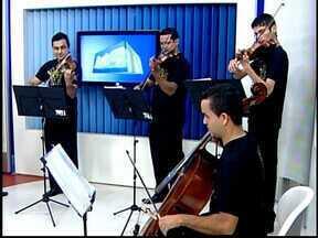 Orquestra desenvolve trabalho em escolas municipais de Divinópolis - Orquestra Cordas e Sons ensinará origem da música e de instrumentos.Trabalho é forma de diversificar a cultura e ensinar pela música.