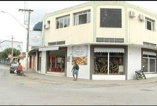 Funcionários de padaria passaram momento de tensão durante assalto em Montes Claros - Homem suspeito de ser o assaltante foi preso.