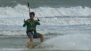 São Luís recebe a 3ª etapa do campeonato brasileiro de kite surf - Ventos fortes e um mar agitado prometem muita emoção no torneio que começou nesta sexta-feira (31), na Praia de São Marcos.