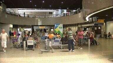 Aeroporto de Fortaleza terá novo procedimento no desembarque internacional - Os passageiros que estiveram nos 21 dias anteriores em países da África Ocidental e desembarcarem no aeroporto terão que medir a temperatura para descartar ou não possível contaminação pelo vírus Ebola.