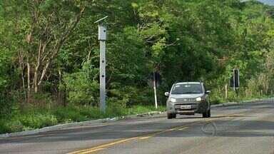 Serra do Mangaval recebe radares eletrônicos em tentativa de redução de acidentes - Serra do Mangaval, entre Cuiabá e Cáceres, é um dos trechos de rodovias federais mais perigosos do estado. Agora, radares eletrônicos devem ajudar a evitar situações de risco no local.