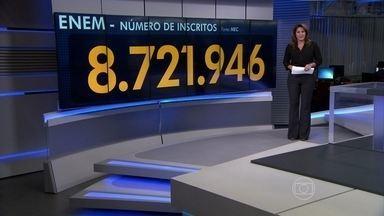 Enem 2014 acontece em todo o Brasil neste fim de semana - Mais de 8,7 milhões se inscreveram para prestar a prova no Exame Nacional do Ensino Médio no próximo fim de semana. A prova é a principal porta de entrada para as universidades federais e também conta pontos para muitas universidades estaduais.