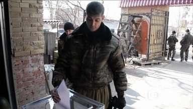 Rússia reconhece eleições realizadas por separatistas no leste da Ucrânia - Moscou reconheceu as eleições no leste da Ucrânia realizadas por separatistas, declaradas como ilegais pela ONU, UE e Estados Unidos. A porta-voz do departamento de Estado americano disse que os EUA não vão reconhecer nenhum líder eleito.