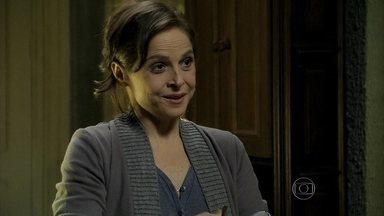 Cora implica com Cristina - Ela diz que a sobrinha não lhe agradeceu e Cristina não lhe dá atenção