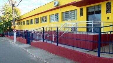 Calendário do ESTV: moradores cobram reforma de escola em Cariacica - Saiba se a prefeitura cumpriu a promessa de reformar a escola estadual São João Batista.