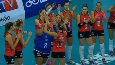Sem dificuldade, Sesi derrota São José dos Campos por 3 sets a 0 na Superliga de vôlei - Favoritas na competição, equipe não tem dificuldade para vencer.