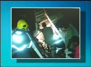 Novos acidentes deixam dois mortos na BR-153, corpos ainda não foram identificados - Novos acidentes deixam dois mortos na BR-153, corpos ainda não foram identificados