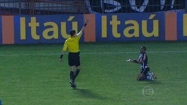 Equipe que mais recebeu cartões vermelhos, Botafogo monta peças para clássico carioca - Se vencer o Fluminense, alvinegro poderá sair da zona de rebaixamento.