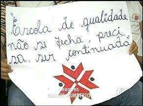 Pais e alunos vão à Câmara protestar contra fechamento de escola em Araguaína - Pais e alunos vão à Câmara protestar contra fechamento de escola em Araguaína