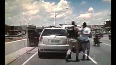 Adolescente é apreendido após perseguição em BH - Ele estava em carro roubado