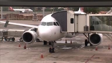 Aeroporto JK passa a ser o terminal com maior capacidade de pousos e decolagens do país - O Aeroporto de Brasília foi autorizado a operar 52 voos por hora, isso representa um voo a cada um minuto e nove segundos. O número ultrapassa o de Guarulhos que tem 47 voos por hora.