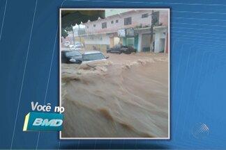 Telespectadores do interior da BA enviam fotos da chuva em várias regiões - Em Euclides da Cunha, a água chegou a cobrir carros e até arrastar motos que estavam na rua. Confira no quadro Vc no BMD.