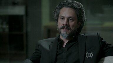 José Alfredo se enfurece com Maria Marta - Ele garante que vai se divorciar da esposa