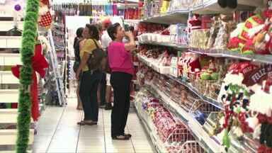 Festas de fim de ano deve aquecer as vendas no comércio - O ano não foi tão bom para os lojistas que agora esperam se recuperar com as vendas de fim de ano.