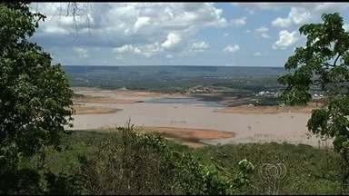 Seca preocupa moradores da região sul de Goiás - Sem chuva, Rio Corumbá está cada vez mais baixo.